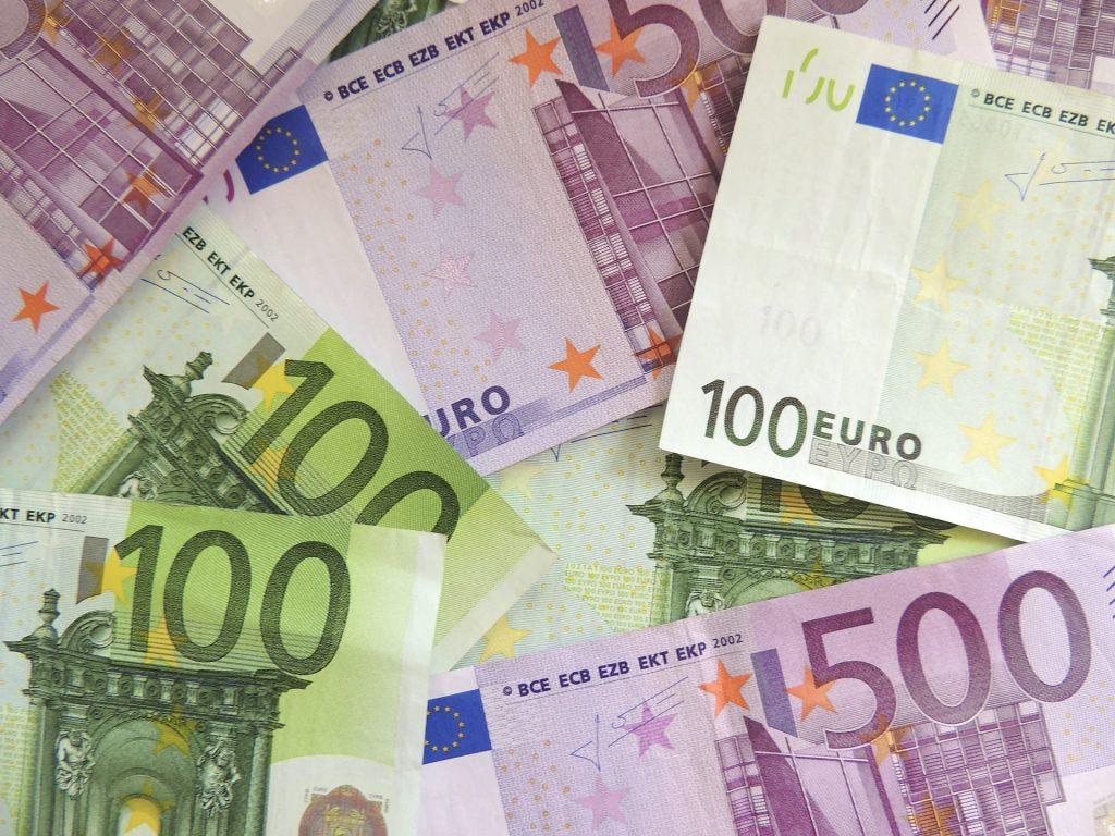 money-171539_1920